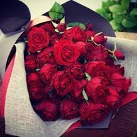 真っ赤いバラは最強のメッセンジャー!贈り方とおすすめ3選
