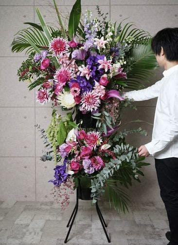 【全国配送】 ピンク系 フローリストにお任せ 季節のお祝いスタンド花 70,000円 2段スタンダードタイプ