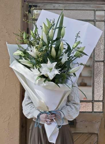 ユリ 花束 ホワイト M スタンダード