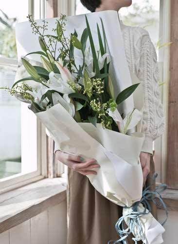 ユリ 花束 ホワイト S スタンダード