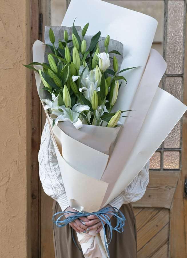 ユリ 花束 ホワイト M