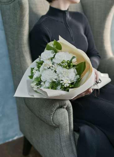 カーネーション 花束 ホワイト L ナチュラルブーケ