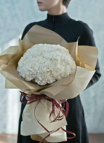 カーネーション 花束 ホワイト L ラウンドブーケ