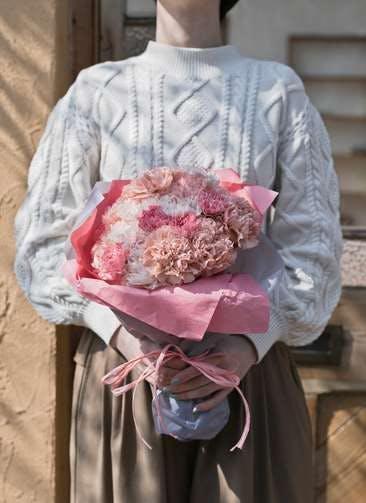 カーネーション 花束 ピンク M ラウンドブーケ